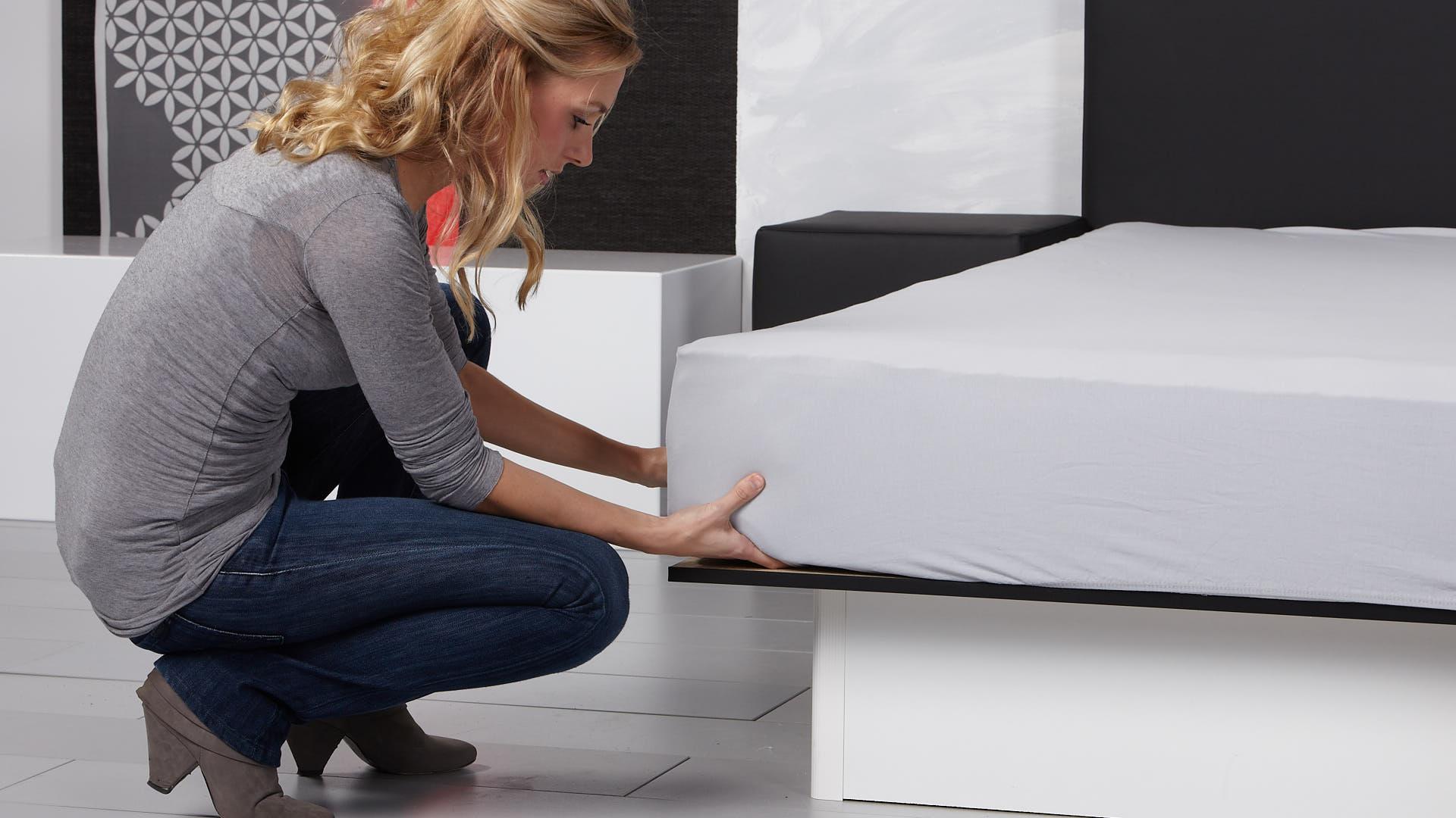Wasserbett Basic Box Pro mit Bettlaken