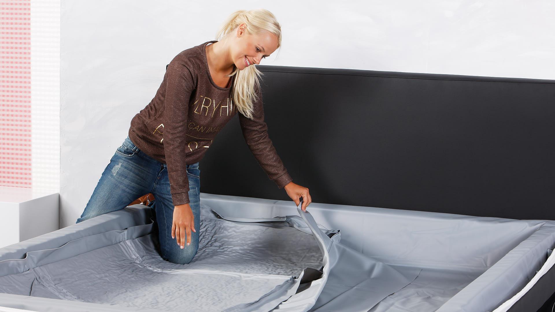 Wasserbett Einbau Thermotrennwand mittig einlegen
