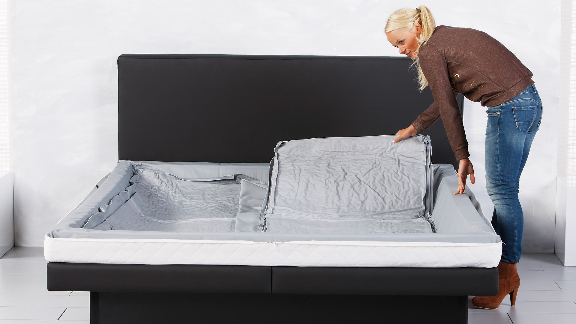 Wassermatratze zweite Hälfte von Duo in vollständigem Wasserbett